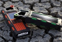 Etón Raptor Solar USB Charger and Weatherband Radio