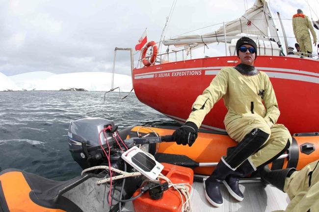 solar joos - boat